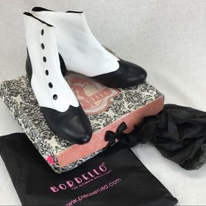BORDELLO BLACK & WHITE SPATZ THEATRICAL BOOTS 10